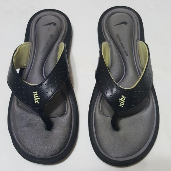 59774bfd8d446 Nike Shoes - ♨️NIKE♨ womens flip flops size 8